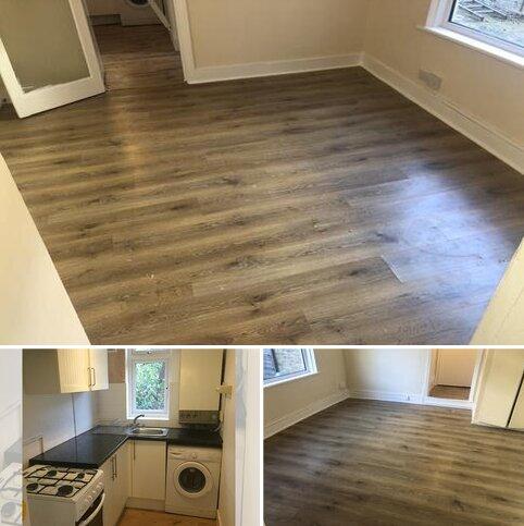 Studio to rent - Norfolk Road, Colliers Wood SW19