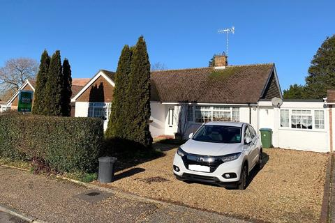 2 bedroom bungalow for sale - Mill Road Avenue, Angmering, West Sussex, BN16