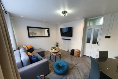 2 bedroom maisonette to rent - Dovet Court, Mursell Estate, London, London, SW8