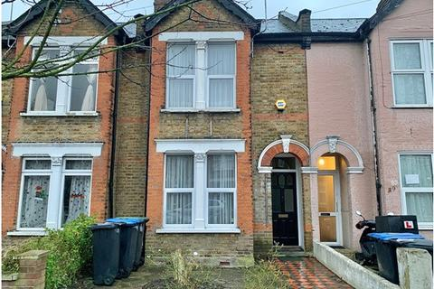3 bedroom terraced house to rent - Durants Road, Ponders End, EN3