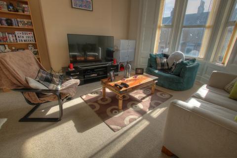 3 bedroom flat to rent - Prince Consort Road, , Gateshead, NE8 4DS