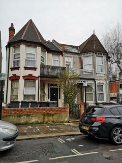 Studio to rent - Sylvan Avenue, LONDON, N22