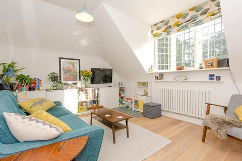2 bedroom apartment for sale - Mayfield Road, London, N8