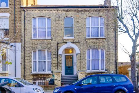 5 bedroom semi-detached house for sale - Cheverton Road, London, N19