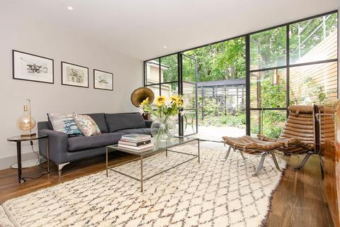 4 bedroom end of terrace house for sale - Archway Road, Highgate, London, N6
