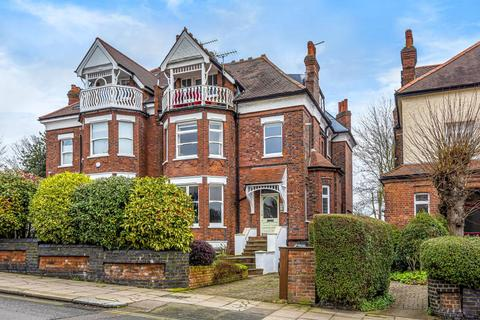 3 bedroom flat for sale - Stanhope Road,  Highgate,  N6