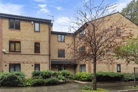 2 bedroom flat to rent - Searles Road Elephant & Castle SE1