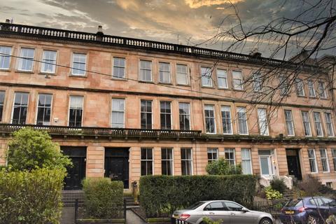 3 bedroom flat for sale - Hillhead Street, Flat 0/1, Hillhead, Glasgow, G12 8PY