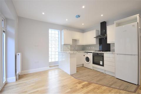 2 bedroom detached house - Montrell Road