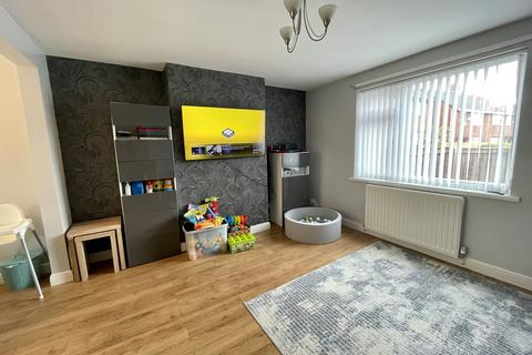 3 bedroom terraced house to rent - Wylam Gardens, Howdon, Wallsend