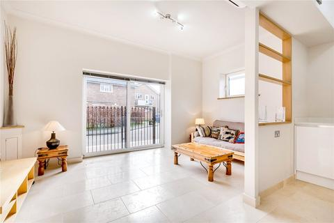 1 bedroom flat for sale - Prince of Wales Terrace, Chiswick, London