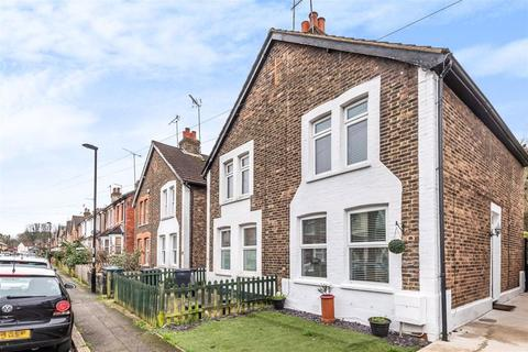 2 bedroom semi-detached house for sale - Little Roke Avenue, Kenley
