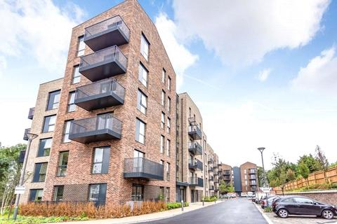1 bedroom apartment for sale - Oak Lodge, 2 Riverwell Close, Watford, Hertfordshire, WD18