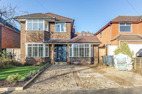 4 bedroom detached house for sale - Mitchley Avenue, Sanderstead, Surrey, CR2 9HP
