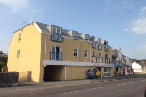 2 bedroom flat to rent - Pendine