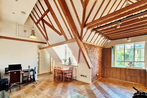 2 bedroom flat to rent - Netherhall Gardens, Hampstead NW3