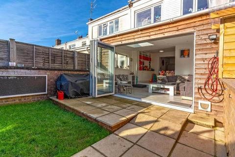 4 bedroom semi-detached house for sale - Freshbrook Road, Lancing