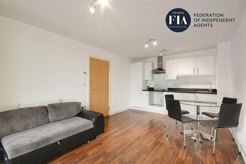 1 bedroom apartment to rent - Simmonds house, Great West Quarter, Brentford, London