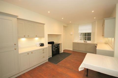 3 bedroom flat to rent - Gloucester Place, Edinburgh