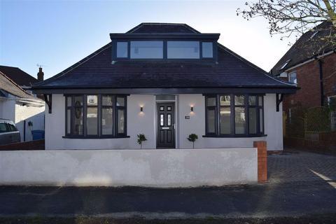 3 bedroom detached bungalow for sale - Eighth Avenue, Bridlington, East Yorkshire, YO15