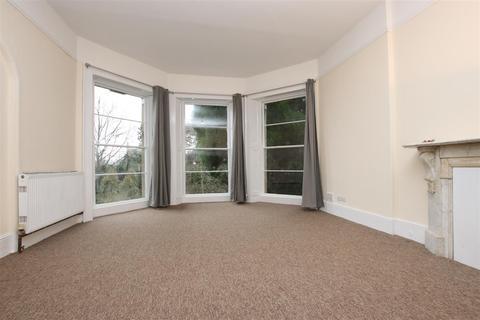 2 bedroom flat to rent - Weston Park East, Bath