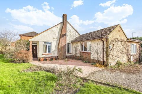 4 bedroom detached bungalow for sale - Royal Wootton Bassett,  Wiltshire,  SN4