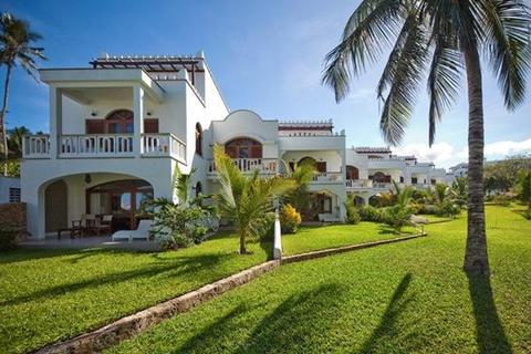 4 bedroom apartment - Lantana, Galu Beach, Diani