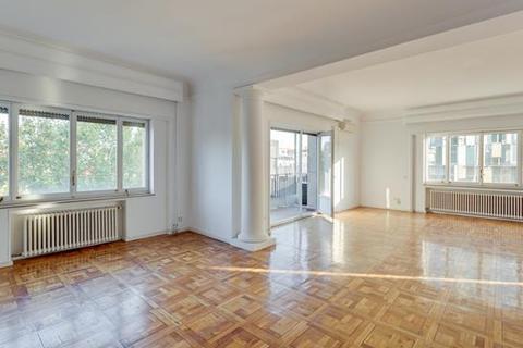 5 bedroom apartment - El Viso, Chamartin, Madrid