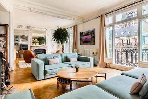 4 bedroom apartment - 75007 Paris 07 Champ de Mars district, Paris, Île-de-France, France