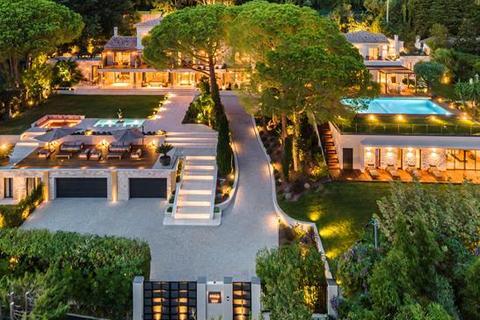 8 bedroom villa - Cannes, 06400 Cannes, Cote d'Azur, France