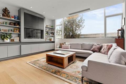 3 bedroom apartment - Vancouver, BC V6J 1R2, Canada
