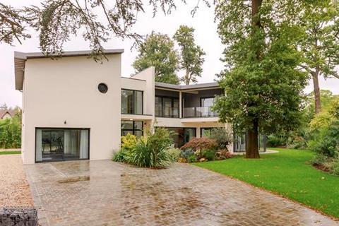 4 bedroom house - 92420 Vaucresson, Hauts-de-Seine, Île-de-France