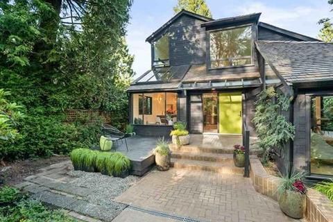 3 bedroom villa - Alma St, Vancouver, British Columbia, V6N 1Y6