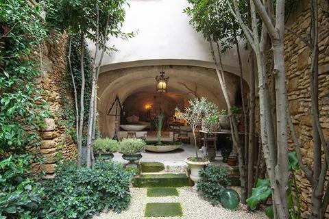 4 bedroom farm house - Uzes, 30700 Gard, Provence, France