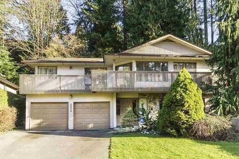5 bedroom house - Flynn Place, Vancouver, BC V7P 3H8, Canada