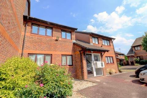 2 bedroom flat for sale - 105 Park Avenue, Enfield, London, Greater London, EN1 2HR