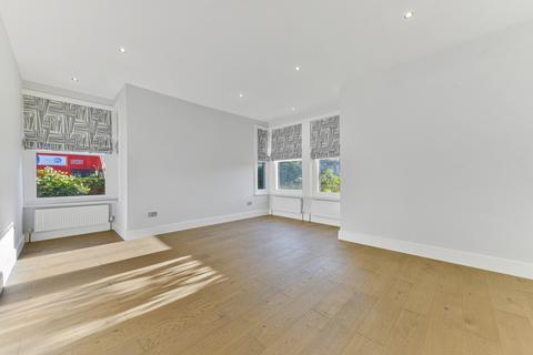 2 bedroom flat to rent - Bishops Park Road , London SW6