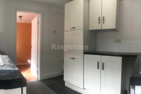 3 bedroom terraced house to rent - Carlisle Street, Splott, CF24 2PD