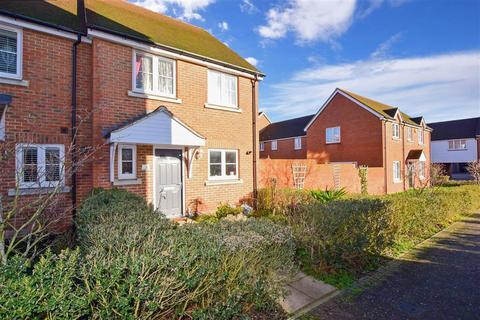 3 bedroom end of terrace house for sale - Weymouth Road, Wainscott, Rochester, Kent