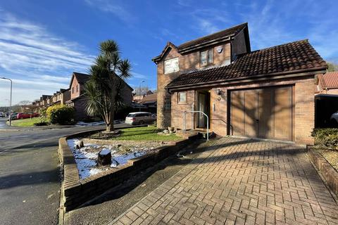 3 bedroom detached house for sale - Oakwood Drive, Clydach, Swansea