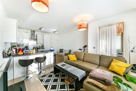 1 bedroom apartment for sale - Eddington Court, Canning Town, London, E16