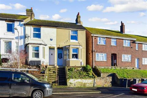 2 bedroom end of terrace house for sale - Mayfield Avenue, Dover, Kent