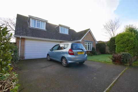 3 bedroom detached house for sale - Manor Close, Milford On Sea, Lymington, Hampshire, SO41