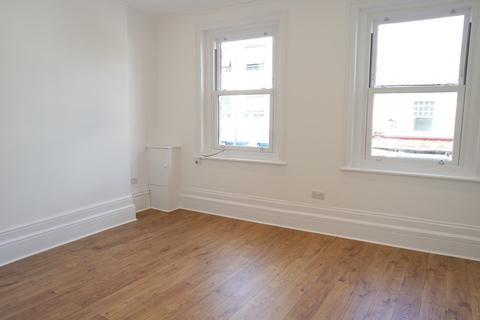 3 bedroom apartment to rent - East Barnet Road, Barnet, Hertfordshire, EN4