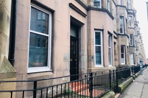 4 bedroom flat to rent - Montpelier Park, Edinburgh, EH10