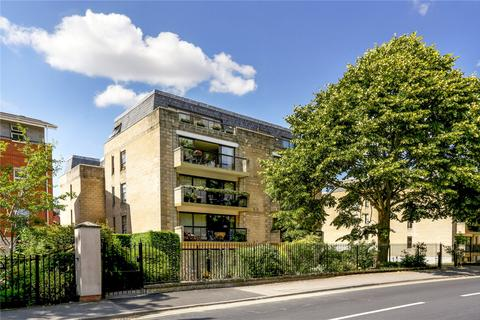 3 bedroom flat to rent - Western Court, Western Road, Cheltenham, Gloucestershire, GL50