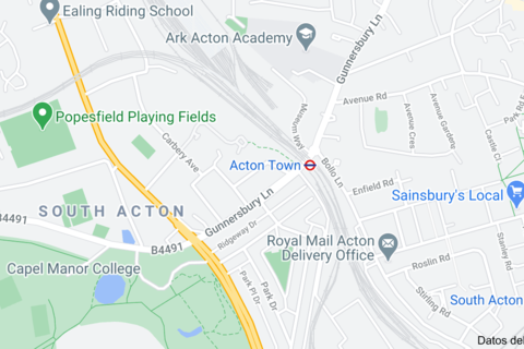 Studio to rent - GUNNERSBURY CRESCENT, ACTON TOWN, LONDON W3