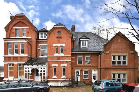 2 bedroom flat to rent - Sylvan Road, SE26
