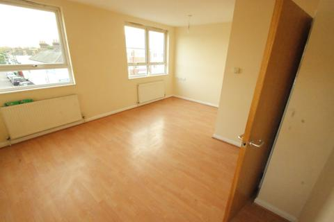 1 bedroom flat to rent - Victoria Road, Romford
