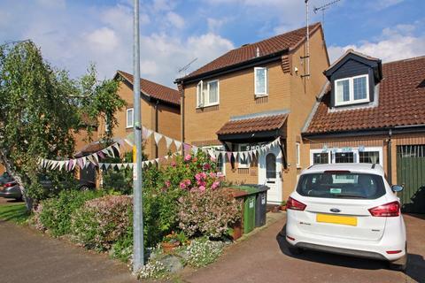 3 bedroom link detached house for sale - Hollybush Road, North Walsham